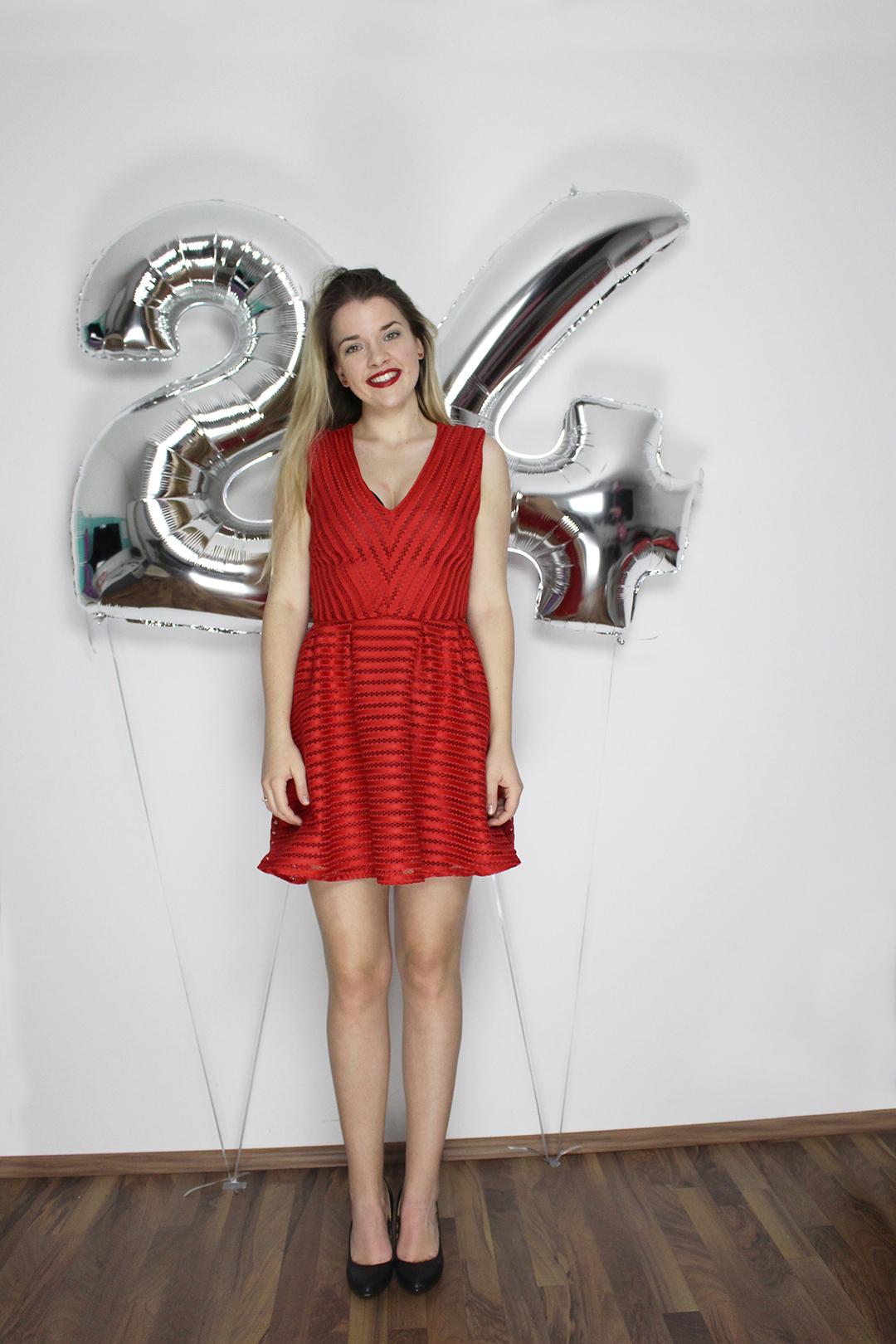 Geburtstagsshooting mit silber Ballonen