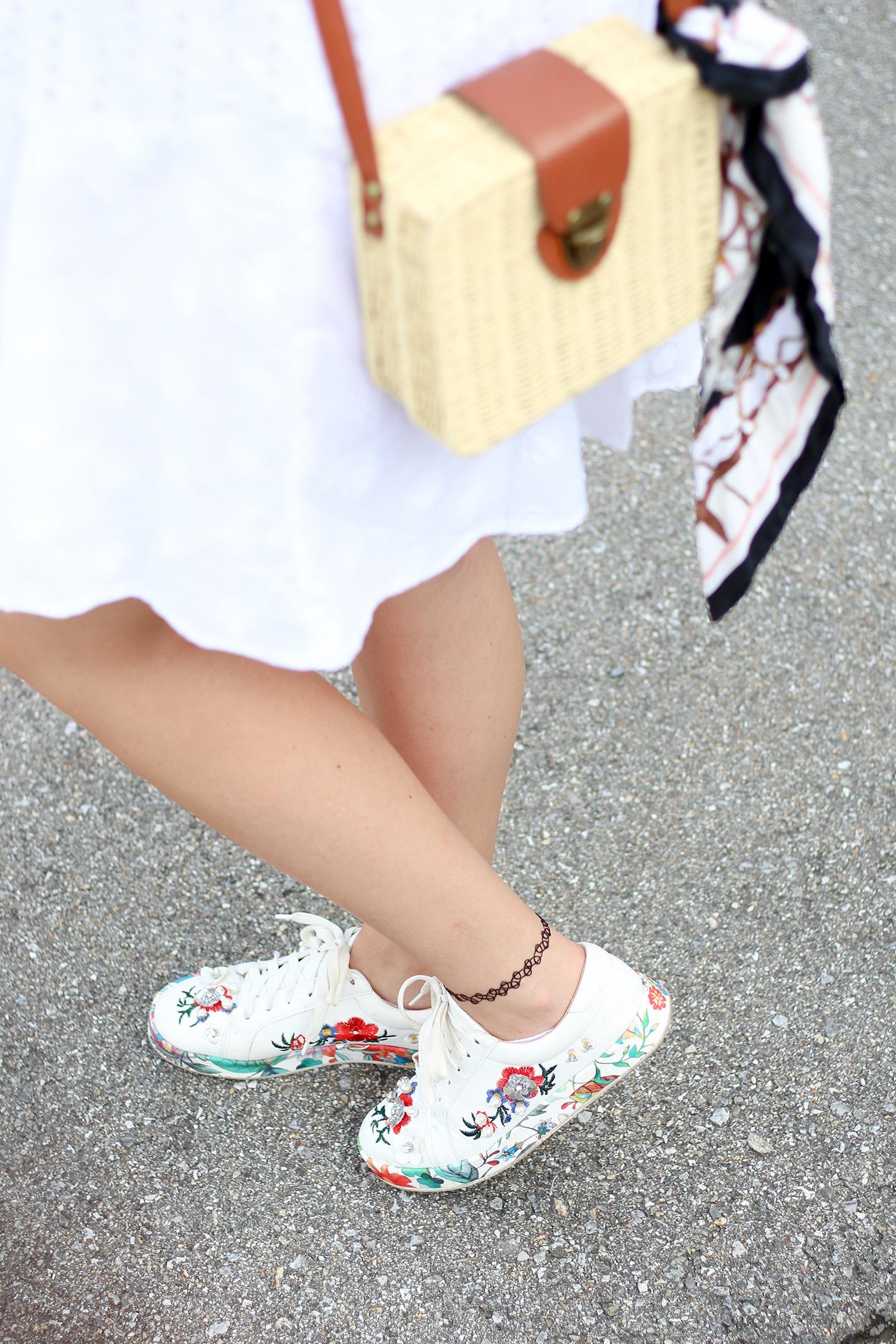Sommerkleid in weiß